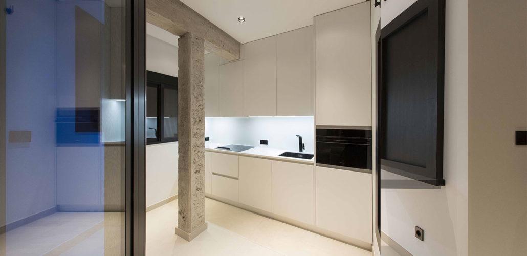 architect-valencia-black-&-white-loft-9